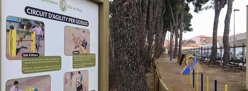 Piera diposa del primer parc d'agility al Sanahuja